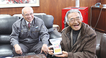 「奇跡のリンゴ」の木村秋則さんも絶賛する自然栽培の肥料「肥炭粉(ぴったんこ)」